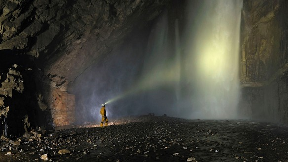 5 Tips for Safely Exploring Caves